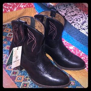 NWT Ariat Darlin Western Boot